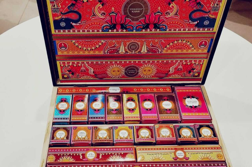 The Indian Puja Box - Temple Connect Slider 5